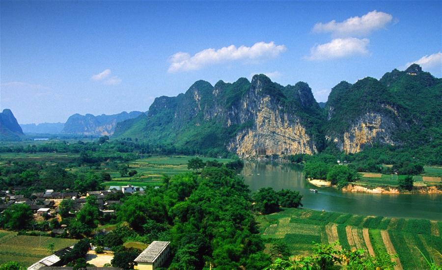 (國際)(1)中國廣西左江花山岩畫藝術文化景觀被列入世界遺産名錄