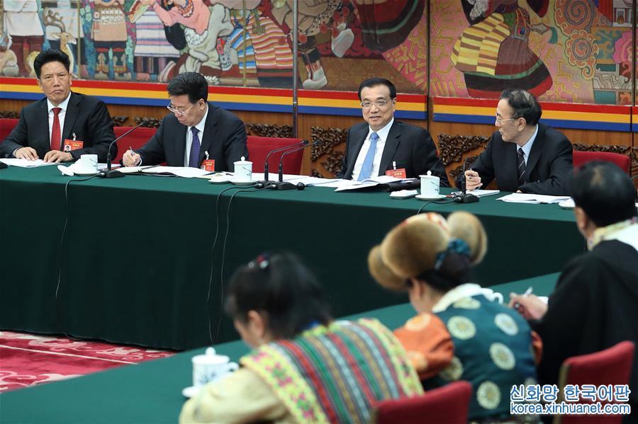 (兩會)李克強參加西藏代表團審議