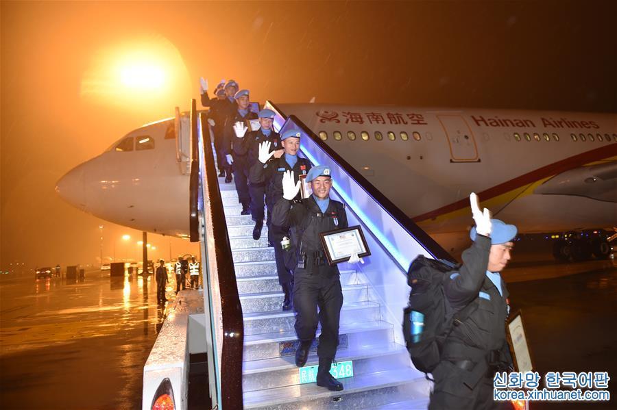 (社會)(1)中國第四支赴利比裏亞維和警察防暴隊凱旋