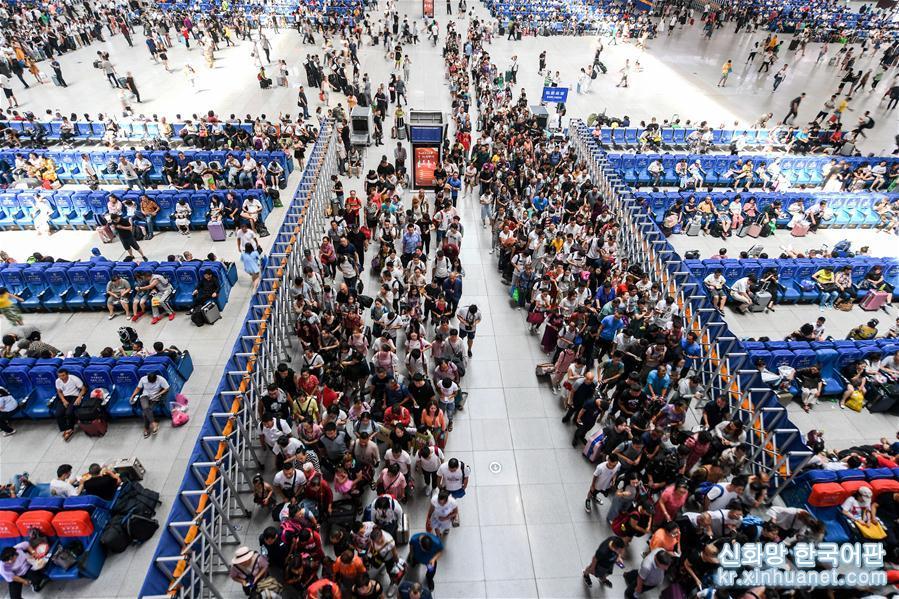 (服務)(1)長春站:暑運以來日均客流量達12萬人次