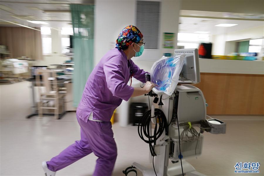 (社會)(4)護士節前,走近男護士
