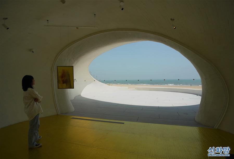 (文化)(3)探訪秦皇島沙丘美術館