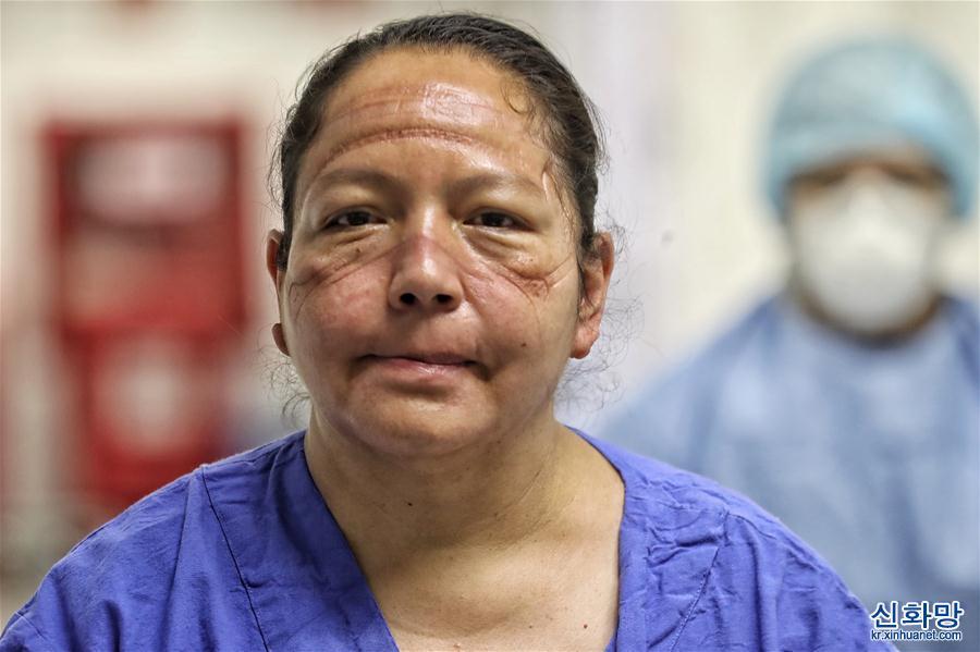 (國際疫情)(1)墨西哥:面罩下的抗疫護士