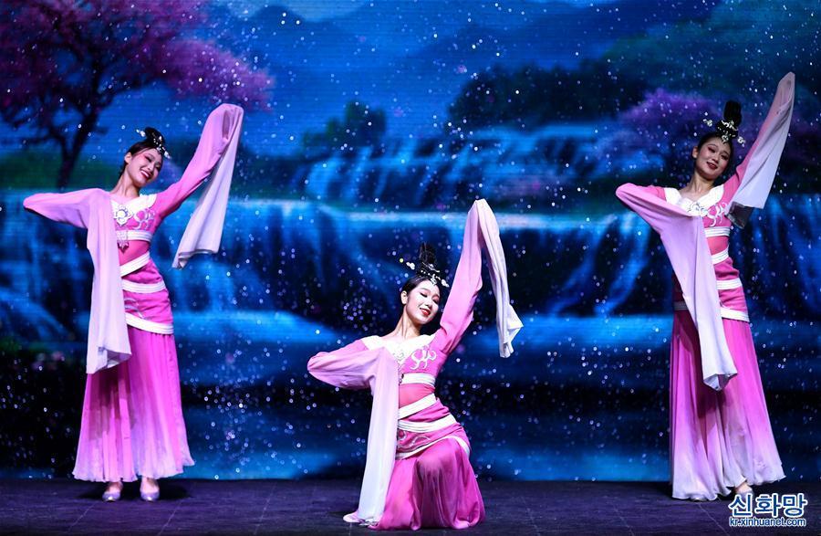 (文化)(3)舞臺劇《西安千古情》首演