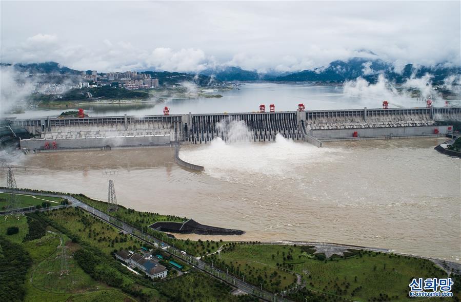 (環境)(1)三峽工程今年首次泄洪 近期或迎新一輪洪水