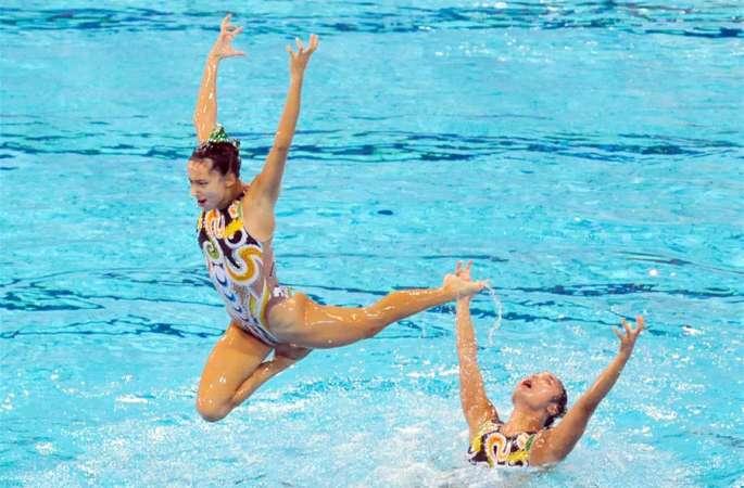 싱크로나이즈드 스위밍 국가대표 선수들 한창 올림픽 출전 준비 중
