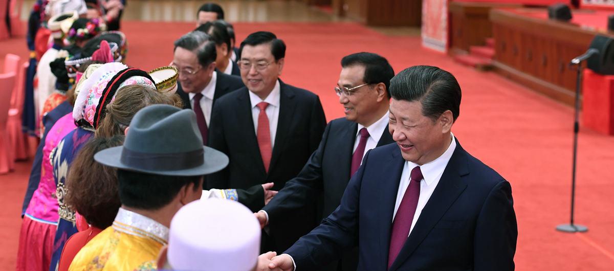 당과 국가지도자, 양회 소수민족 대표 위원 다과회 참석