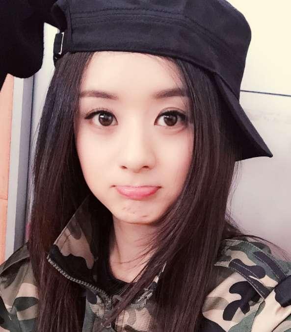 자연스런 얼굴을 자랑하는 중국 여신