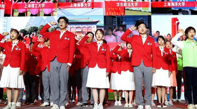 제3회 수입박람회 자원봉사자 4,800여명, 상하이서 선서 및 업무 돌입