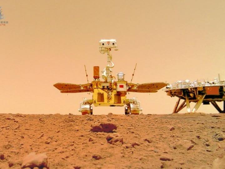 中 화성 탐사 로봇 '주룽'이 촬영한 새로운 화성 사진 공개