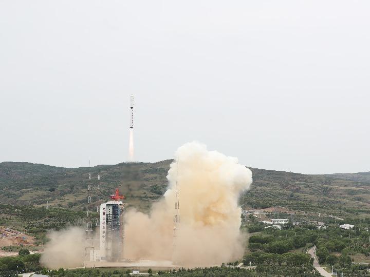 中 위성 4개 실은 창정 로켓 발사 성공