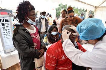 中의료팀,카메룬에서무료진료활동