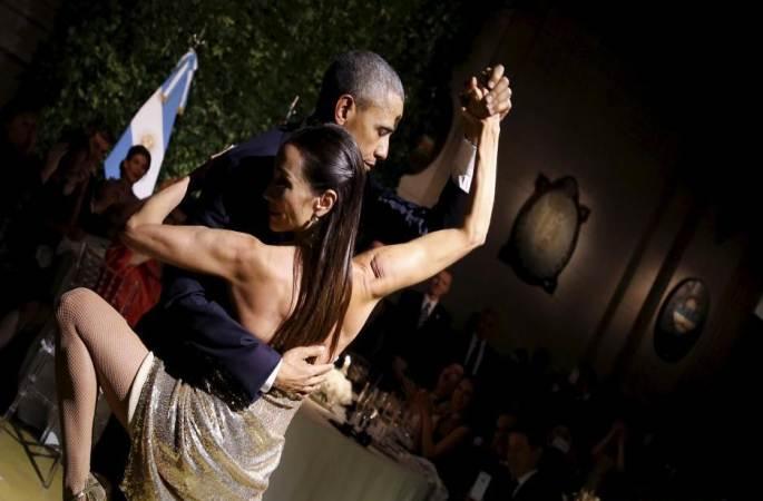 오바마 아르헨티나 국빈만찬서 여성 댄서와 탱고를 뽐내