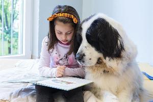 세계 책의 날: 애완견과 함께 독서를