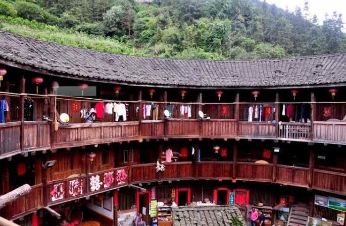 푸젠 난징토루, 신화적인 산간 건축물