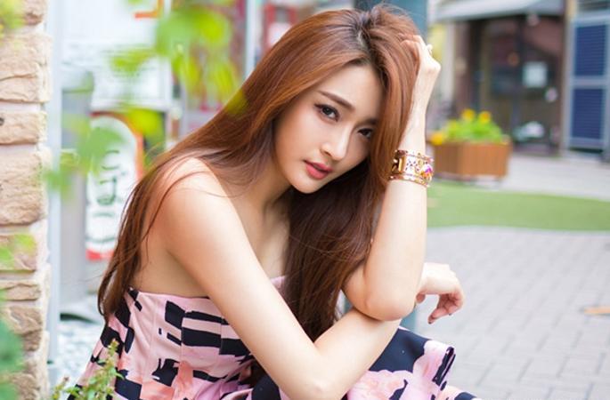 천빙(陳冰) 여름 길거리 패션, 귀엽고 상큼한 핑크 소녀
