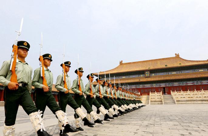 자금성 주둔부대 '무장경찰 국기 호위대' 탐방