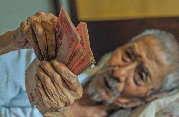 103세 은행 퇴직 할아버지, 매일 돈 세는 버릇 못 버려