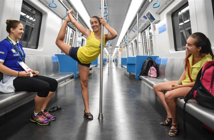 [리우 올림픽] 지하철서 '좀 놀줄 아는' 스웨덴 언니