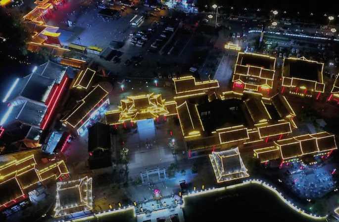 〔드론으로 본 중국〕카이펑: 조명으로 찬란한 '불야성'