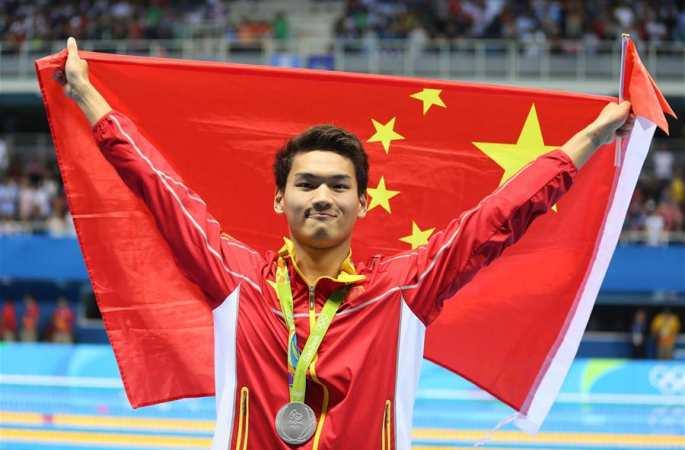 수영-중국 선수 쉬자위 남자 100m 배영 은메달 획득