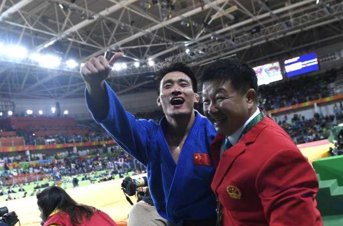 청쉰자오, 중국 남자 유도 역대 첫 올림픽 메달리스트로!