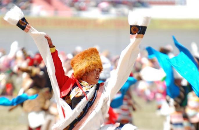 시짱 장족들의 전통 경마 페스티벌, 화려한 개막식