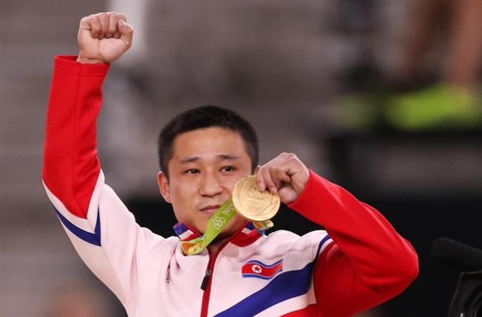 [리우올림픽] 조선 선수 리세광, 도마 금메달