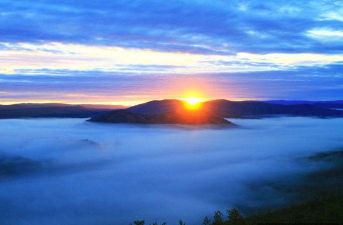 [아름다운 중국] 다싱안링의 황홀한 아침햇살과 운해 풍경
