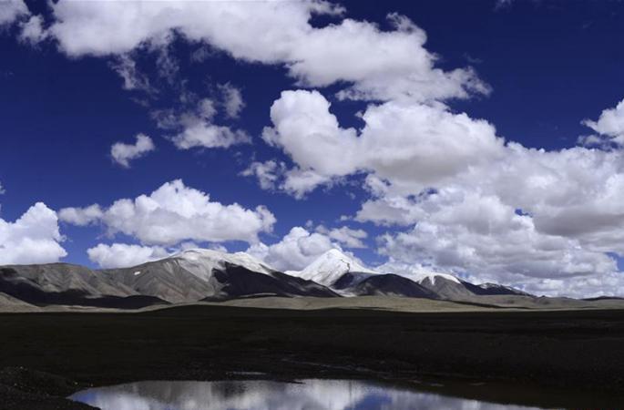 [사진으로 보는 중국] 초가을 눈 덮인 쿤룬산 위주펑