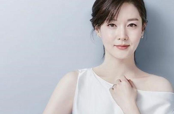 이영애 화보 한드 여왕의 매혹적 매력 발산
