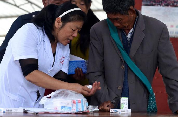중국-미얀마 국경서 19년째 의술 펼치는 시골 의사