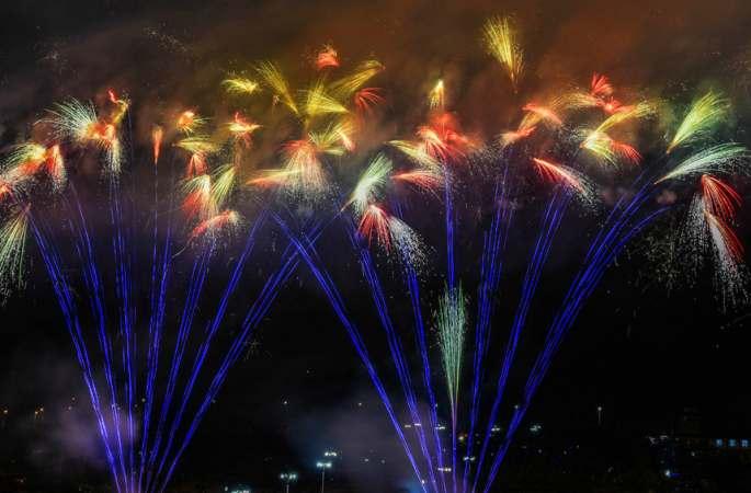 율동중국, 드론으로 촬영한 장시선녀호 제2회 음악불꽃축제
