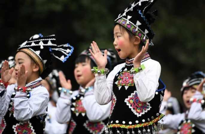 윈난 시처우 '여자태양절' 행사 현장, 장족 여성들의 목욕재계 태양신 제사