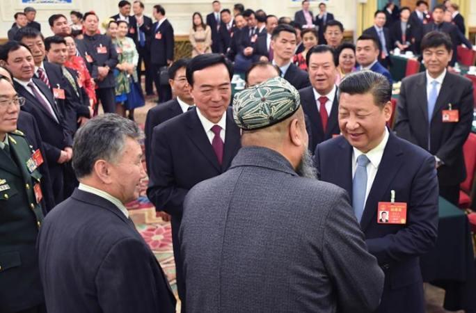 시진핑 주석, 신장 대표단 심의에 참가