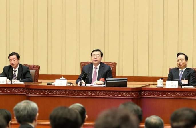 12기 전인대 5차회의 주석단 제4차회의 개최