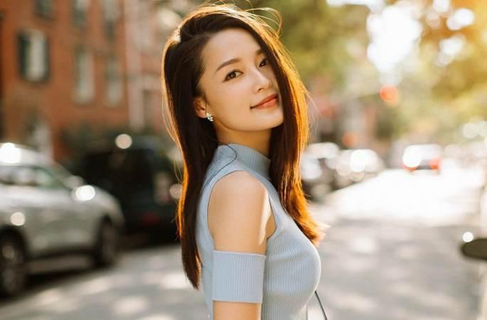 리친 봄날 길거리 화보, 상큼 발랄한 소녀 감성 '물씬'