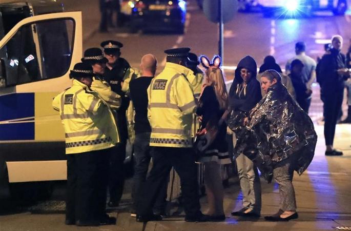 英, 한 체육관 폭발로 적어도 19명 사망