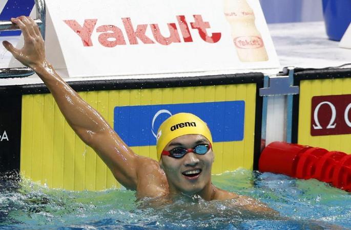 (수영) 쉬자위 남자 100미터 배영 결승전서 우승