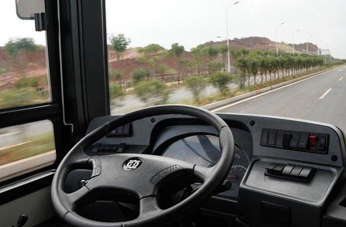 中 중처 첫 12m 자율주행 전동 버스, 도로 테스트 진행