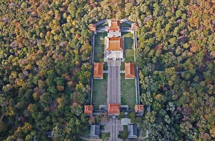 드론 촬영: 가을색으로 단장한 선양 칭푸링, 한 폭의 가을 그림 같아