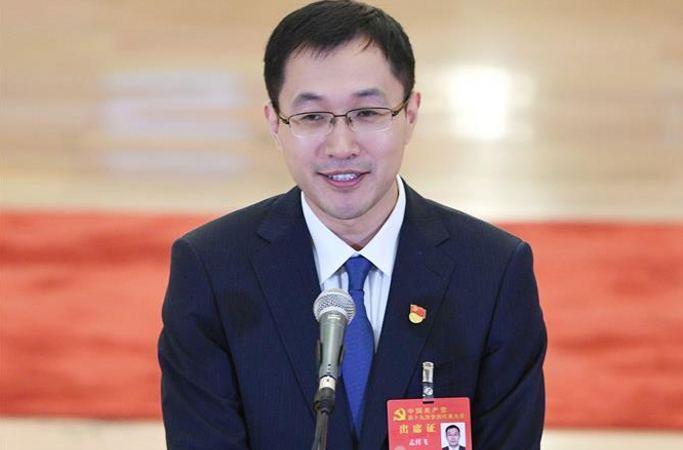 19차 당대회 대표 멍상페이: IT 강국 건설에 대해 믿음 충만하다