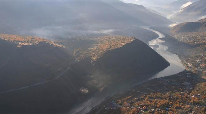 쓰촨:진촨하곡의 아름다운 경치