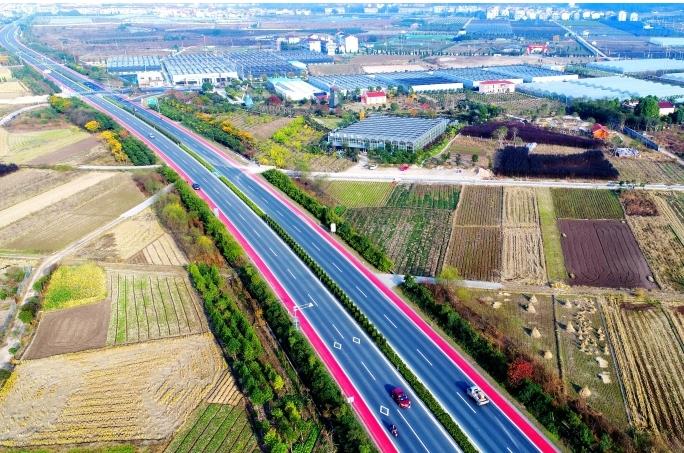 셴쥐: '컬러' 서행 차선 도로 건설해 교통사고 예방