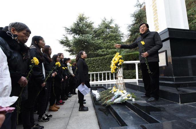 난징: 시민과 학생들, 차오셰샤서 난징대학살 조난 동포 추모