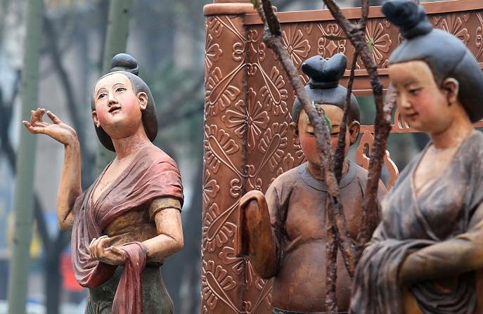 거리에 등장한 시안 '최고 미녀' 조각상...당나라 시대 미녀는 과연 뚱보