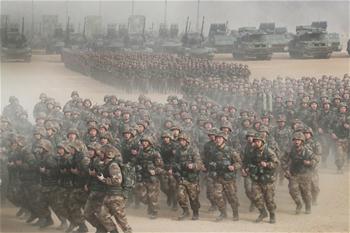 연병서 보여준 새로운 기상—풀 숏으로 담아낸 2018 中 군대 새해 훈련