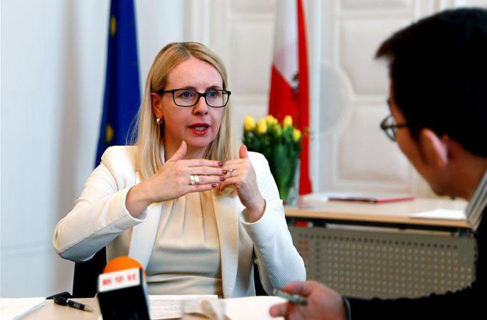 (뉴스 번역) 오스트리아경제장관,대화협상으로무역분쟁해결촉구