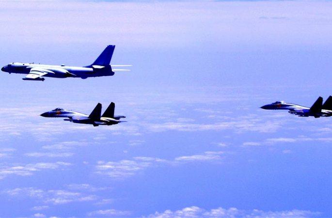 중국 공군 전투기 연속 '섬 우회 순찰비행' 실전능력 검증