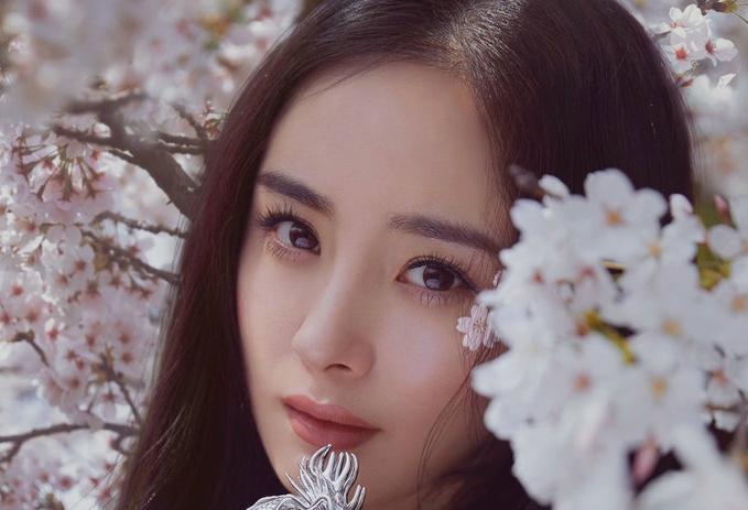 양미 5월호 커버 장식…봄 로맨틱 매력 '심쿵'